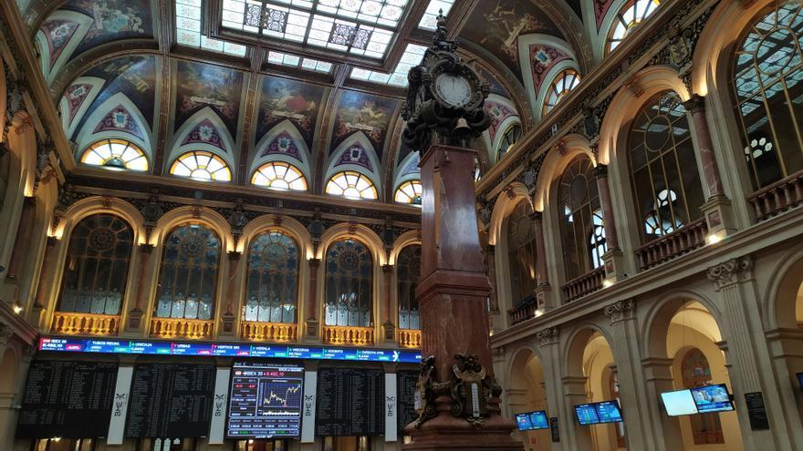 La Bolsa española abre al alza y recupera el nivel de los 8.500 puntos