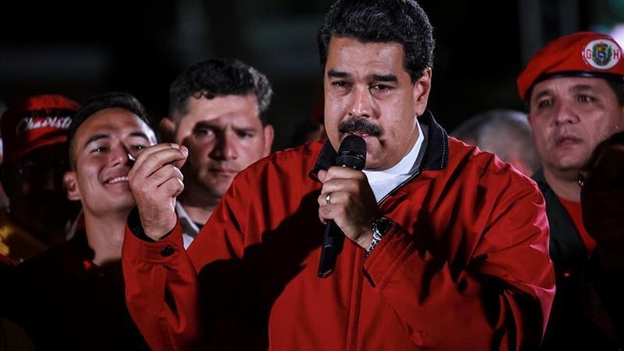 Maduro dice que el próximo encuentro con la oposición es el miércoles