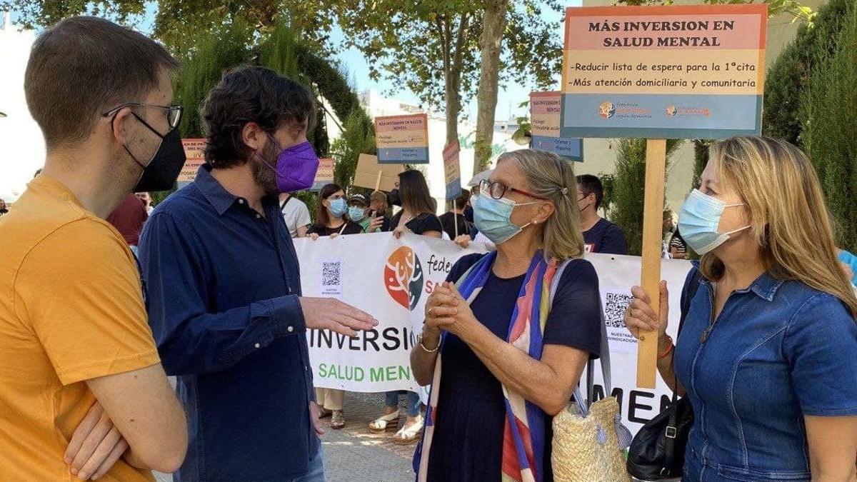 Podemos apoya las reivindicaciones de las asociaciones de salud mental a las puertas de San Esteban