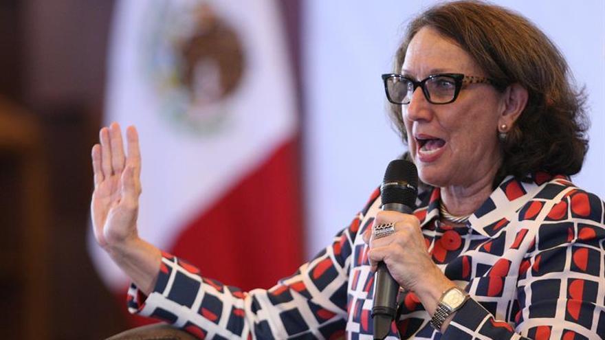 """Grynspan dice América Latina está en """"positivo"""" pese al momento difícil de la región"""