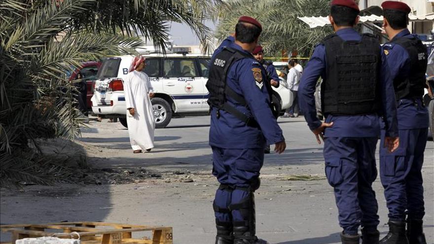 Condenan a muerte a tres personas por un atentado contra la Policía en Baréin