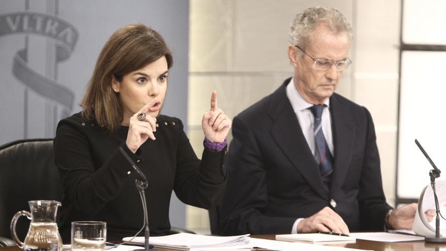 La vicepresidenta del Gobierno, junto al ministro de Defensa.
