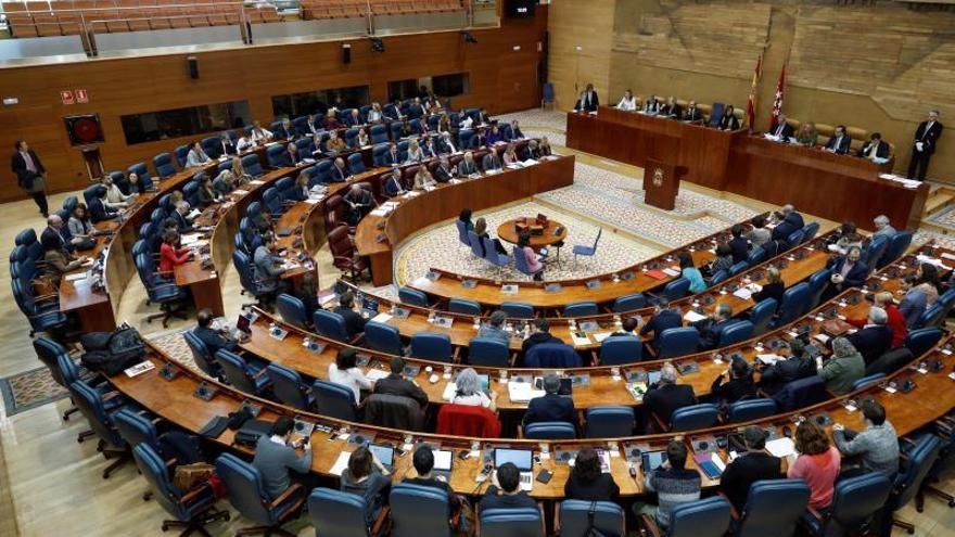 La Asamblea de Madrid tendrá más diputados y podrían complicarse las votaciones