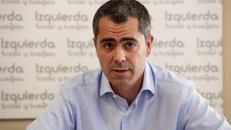 El candidato de Izquierda Unida a la Alcaldía de Santander, Miguel Saro.