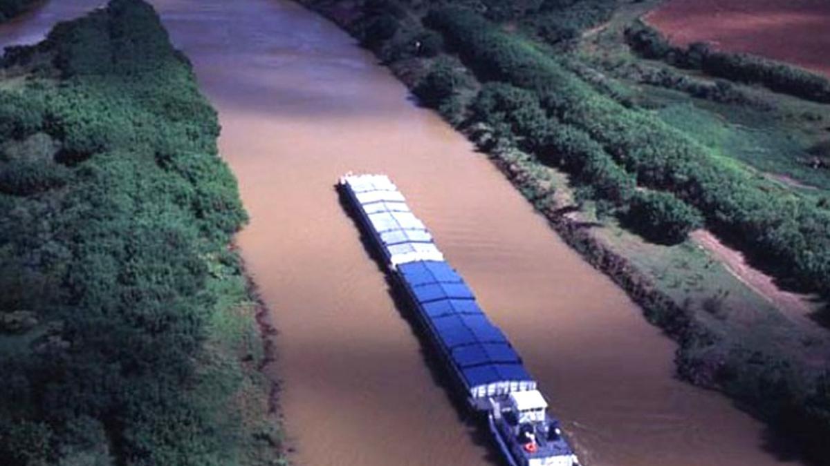 El llamado a licitación por la Hidrovía Paraná-Paraguay desafía la continuidad de su operador histórico