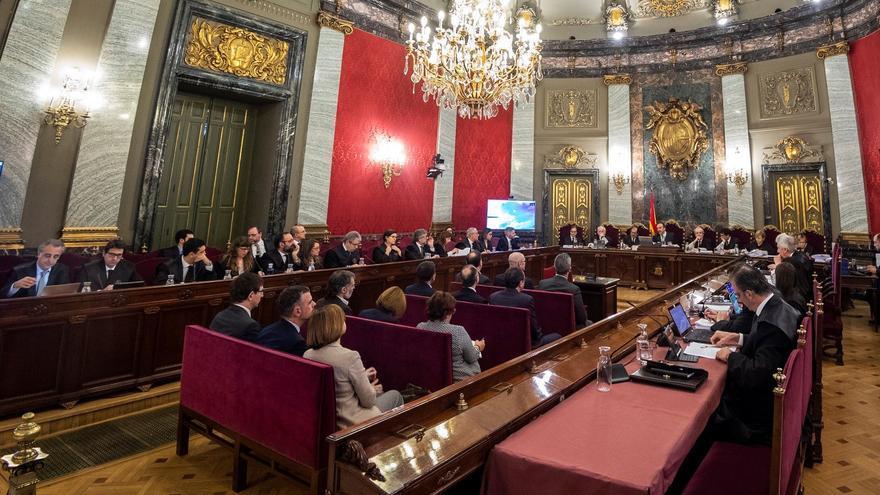 Imagen desde detrás del interior de la sala del Tribunal Supremo donde se celebra el juicio del procés.