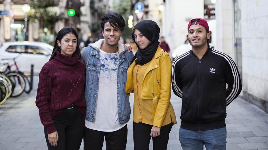 Lamiae, Redouan, Iman y Sumon, impulsores de la Asociación Exmenas