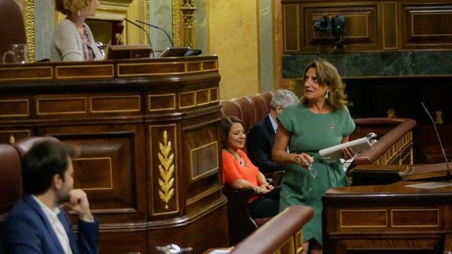 La vicepresidenta para la Transición Ecológica, Teresa Ribera, ante el Pleno del Congreso
