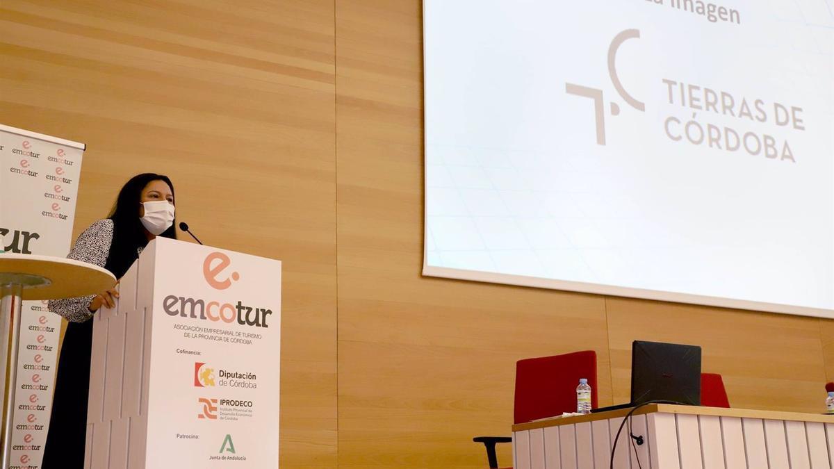 La vicepresidenta del Patronato Provincial de Turismo, Dolores Amo, en la presentación de 'Tierras de Córdoba'.