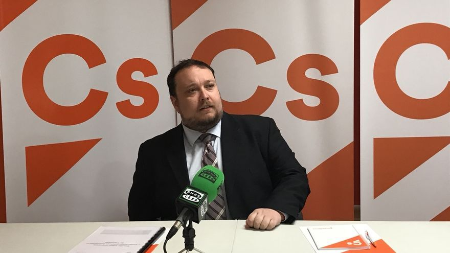 """Cs y Podemos pedirán crear una comisión no permanente sobre la """"nula eficiencia"""" de las empresas y fundaciones públicas"""