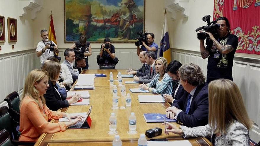 Negociación entre el PP y CC para conformar un nuevo Gobierno de Canarias