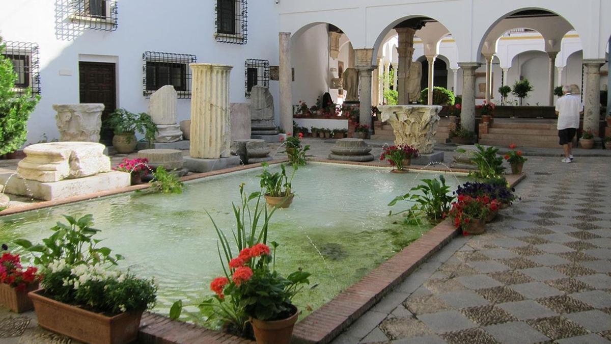 Imagen de uno de los patios del Museo Arqueológico de Córdoba.