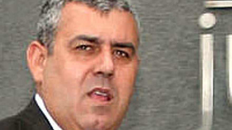 José Luis Mena.