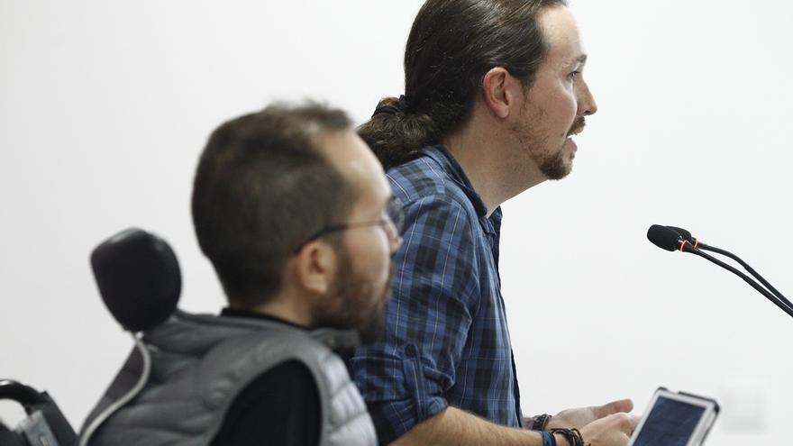 La dirección de Podemos convoca asamblea en Cataluña y pospone hasta el martes la salida de Fachin