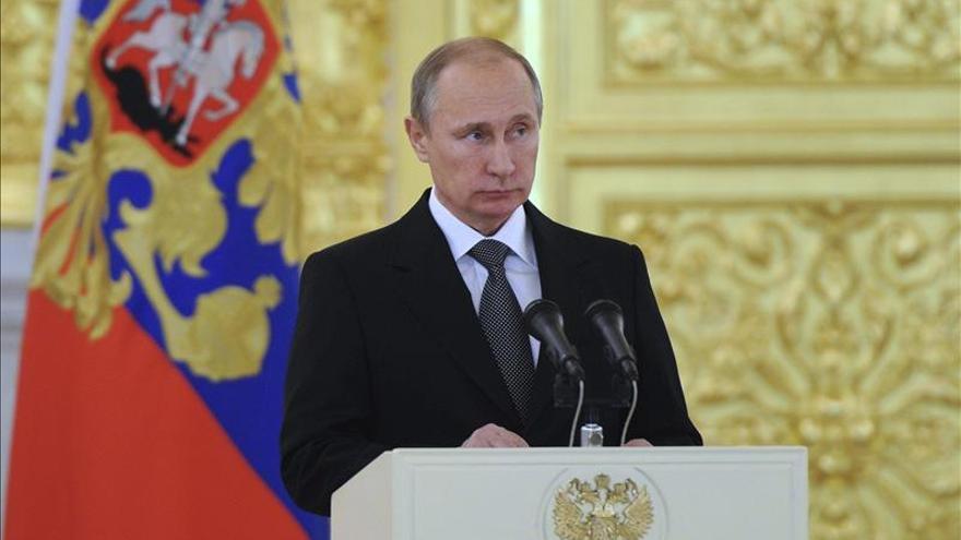 Vladimir Putin acusa a los especuladores de causar la depreciación del rublo