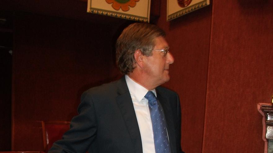 El Gobierno murciano explica en la Asamblea Regional la adhesión de la comunidad al FLA