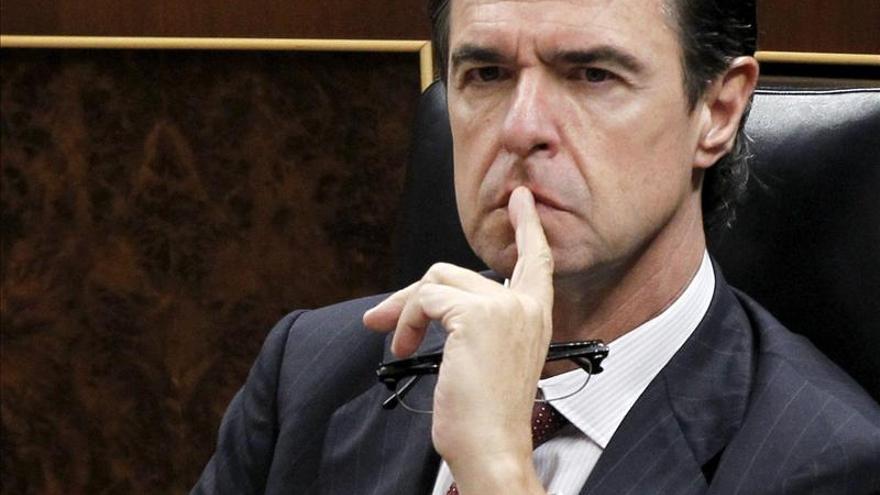 Soria cree que la entrada de Gates en FCC muestra mayor confianza en España