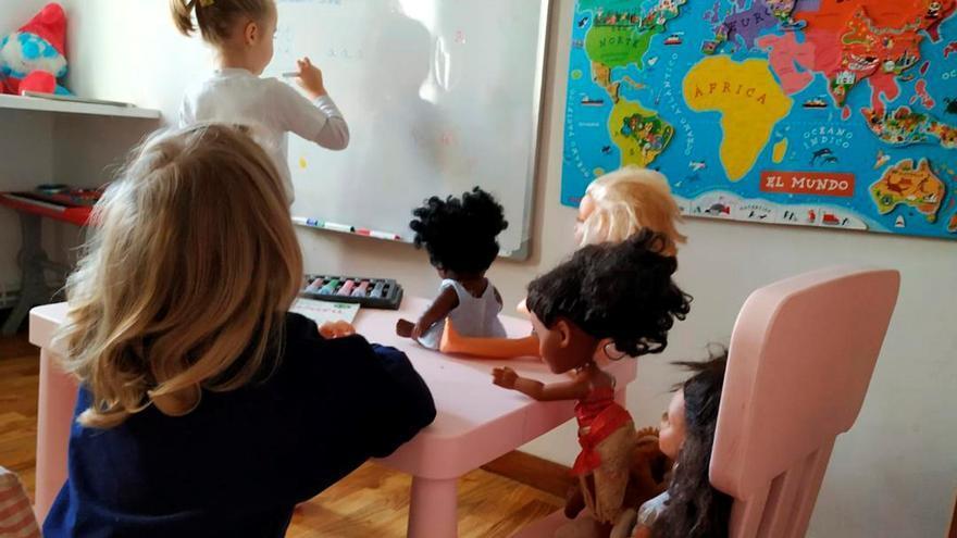 El 60 % de los anuncios de juguetes presenta a las niñas como coquetas, madres o esposas