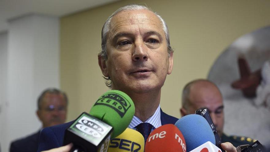 Fernández de Mesa: quien persigue a delincuentes no puede aliarse con ellos