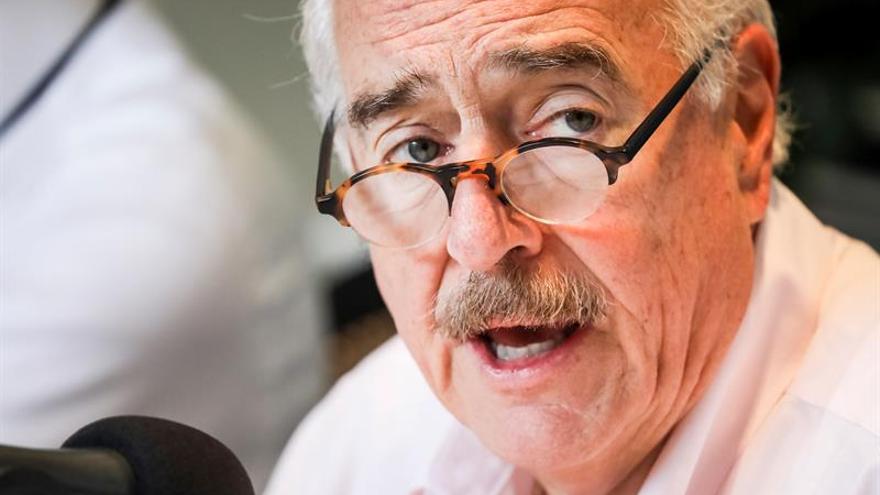 Llaman a Uribe y a Pastrana a defensa por denuncia de pagos de Odebrecht a la campaña de Santos