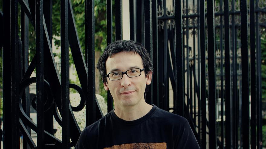 César Rendueles, autor de Capitalismo Canalla. Fotografía de Elena Blanco.