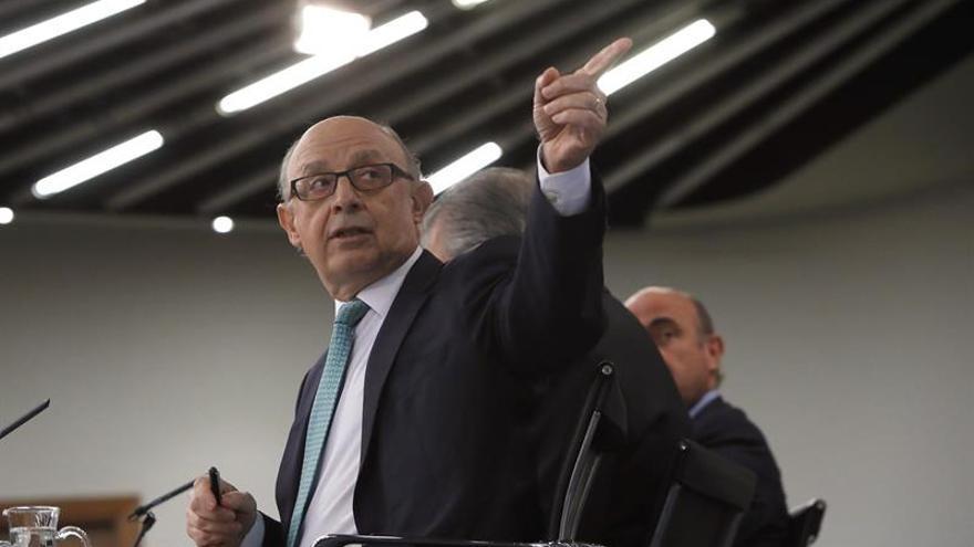 Montoro dice que la previsión de recaudación incluye margen para bajar los impuestos