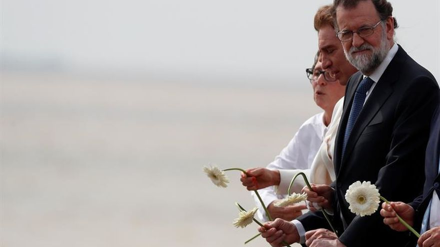 Rajoy rinde homenaje a los desaparecidos argentinos por el terrorismo de estado