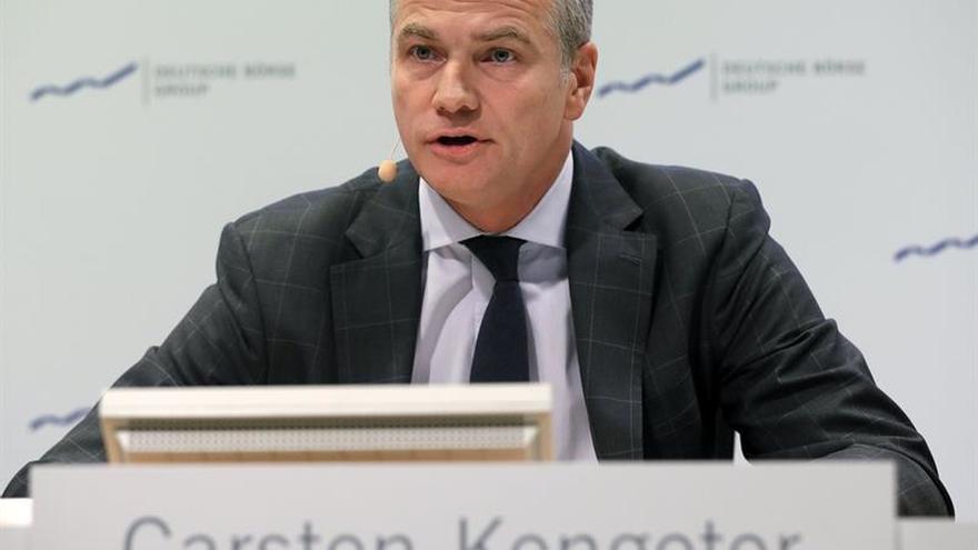 El presidente Deutsche Börse se defiende de las acusaciones y sigue con la fusión
