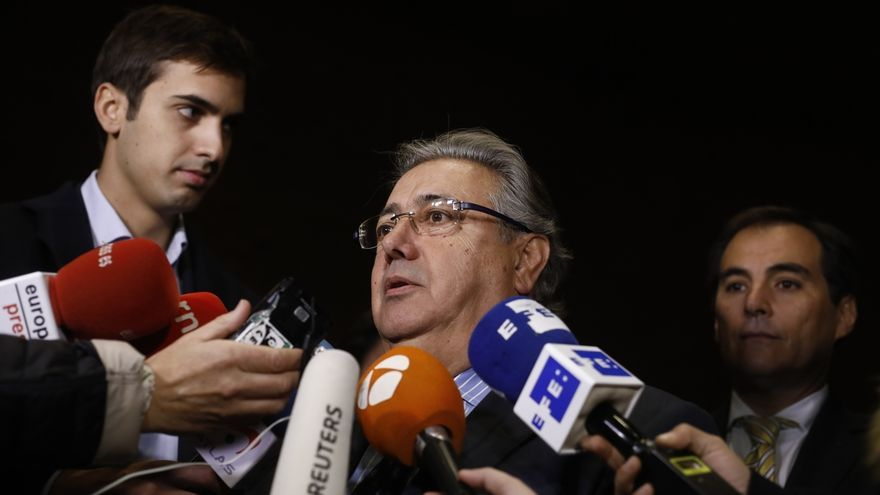 """Zoido garantiza que se respetará el resultado del 21-D en Cataluña y ERC habla de """"golpe de Estado"""""""