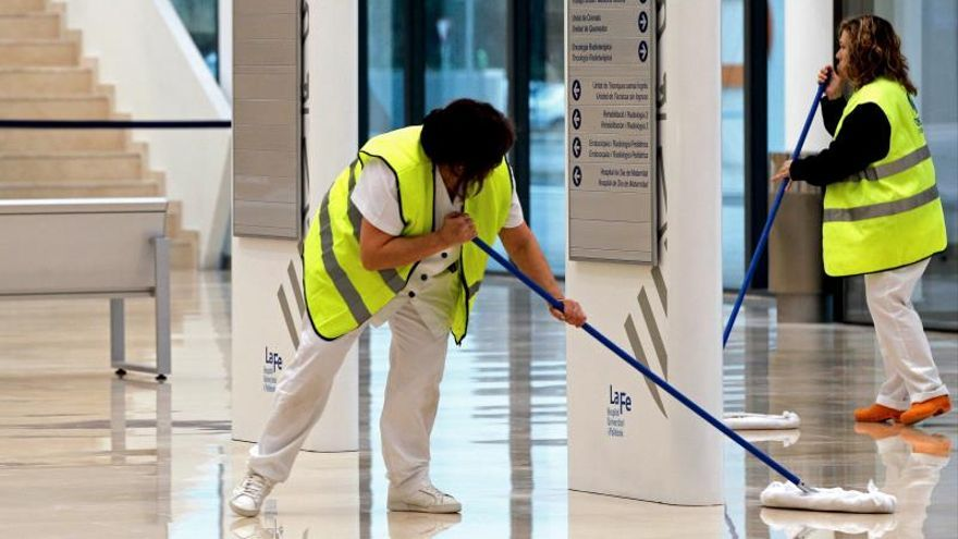 Limpiadoras en un hospital