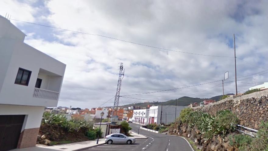 Un varón resulta herido tras el vuelco de su vehículo en Granadilla