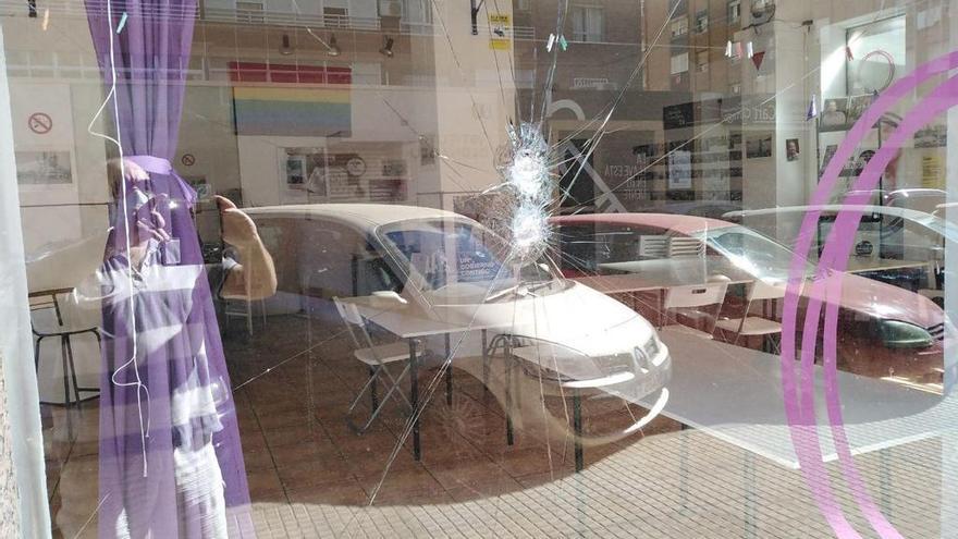 Imagen del ataque en la sede de Podemos