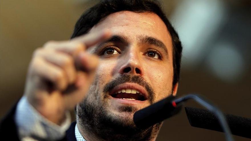 Garzón avisa que el voto útil que piden PP y PSOE es un engaño y consolida la oligarquía