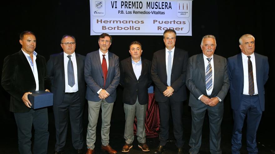 """Fernández Mañanes subraya la importancia del patrocinio privado """"para mantener y hacer crecer el deporte de los bolos"""""""