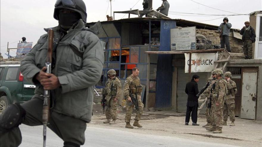 Una niña que iba a cometer un ataque suicida es detenida en Afganistán