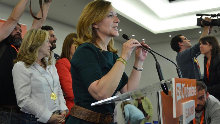 Carina Mejías celebrando el tercer puesto en el consistorio barcelonés / CARALP MARINÉ