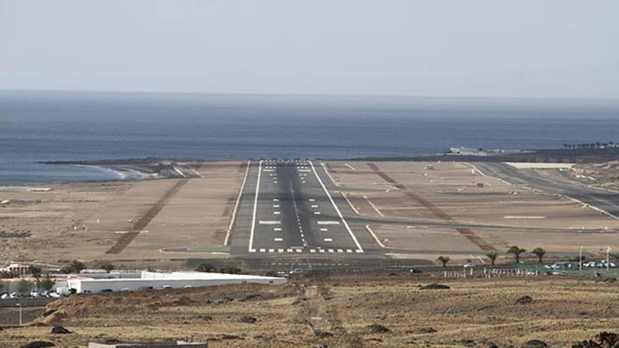 Pista del aeropuerto de Guacimeta en Lanzarote