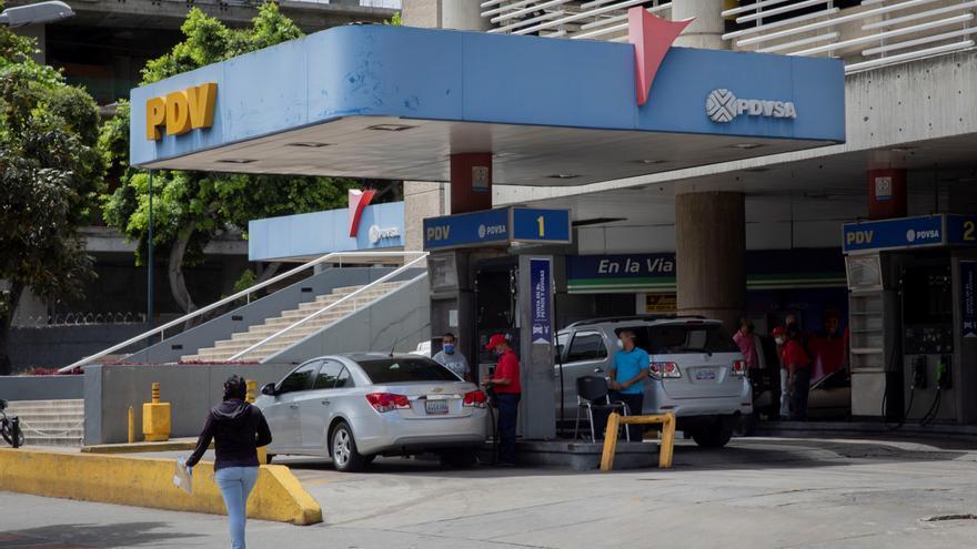 Las exportaciones de Venezuela se hunden por la caída de su industria petrolera
