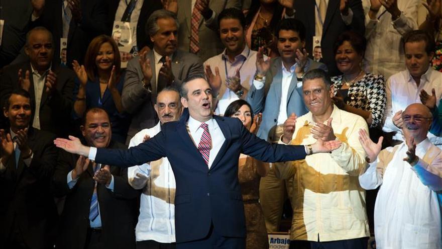 El dominicano Abinader vincula desaprobación de una concesión minera con su candidatura