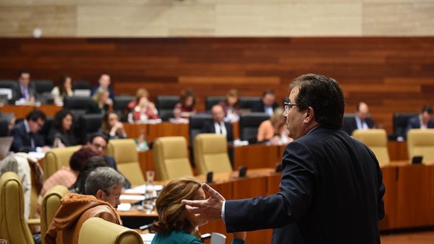 Fernández Vara Asamblea Extremadura hemiciclo pleno