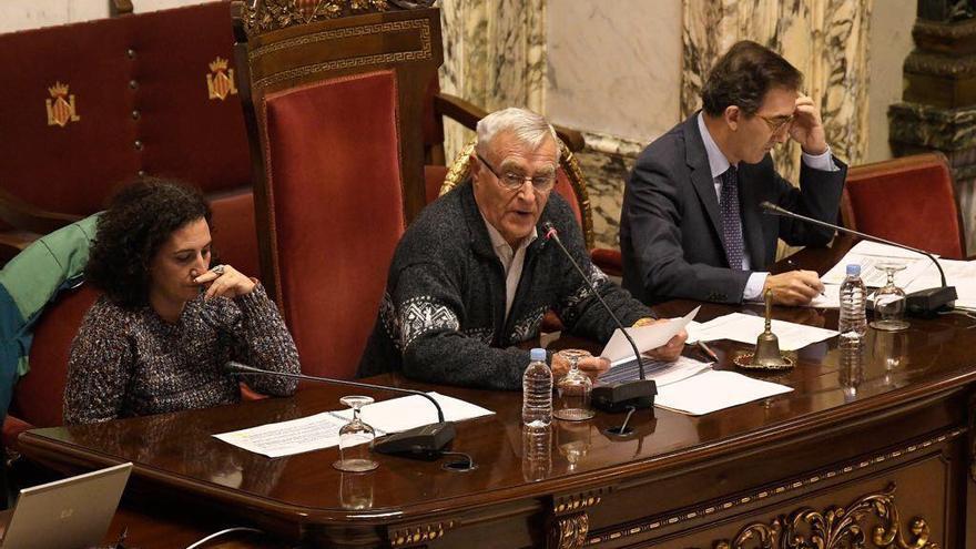 El alcalde de València, Joan Ribó, en el Consejo Social, junto a la edil de Participación, Neus Fábregas