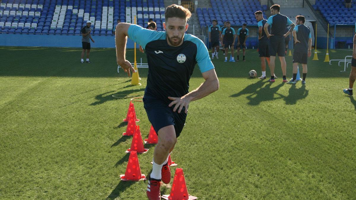 Antonio Fernández durante un entrenamiento con el Ciudad de Lucena.