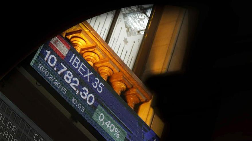 La bolsa española abre con pérdidas y el IBEX cede un 1,10 por ciento