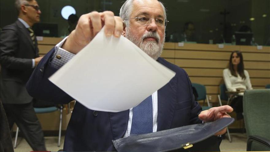 Arias Cañete cree que la nueva norma del ibérico funcionará en seis meses