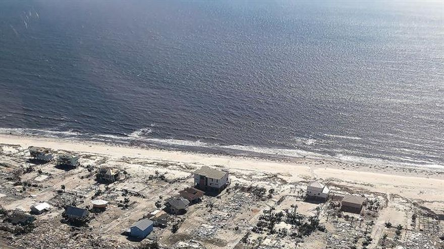 Michael se debilita en aguas del Atlántico tras dejar seis muertos en EEUU