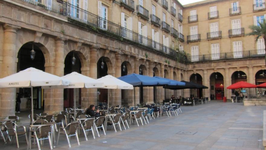 Ayuntamiento de Bilbao recibe 77 solicitudes de instalación de nuevas terrazas y 446 de ampliación de las ya autorizadas