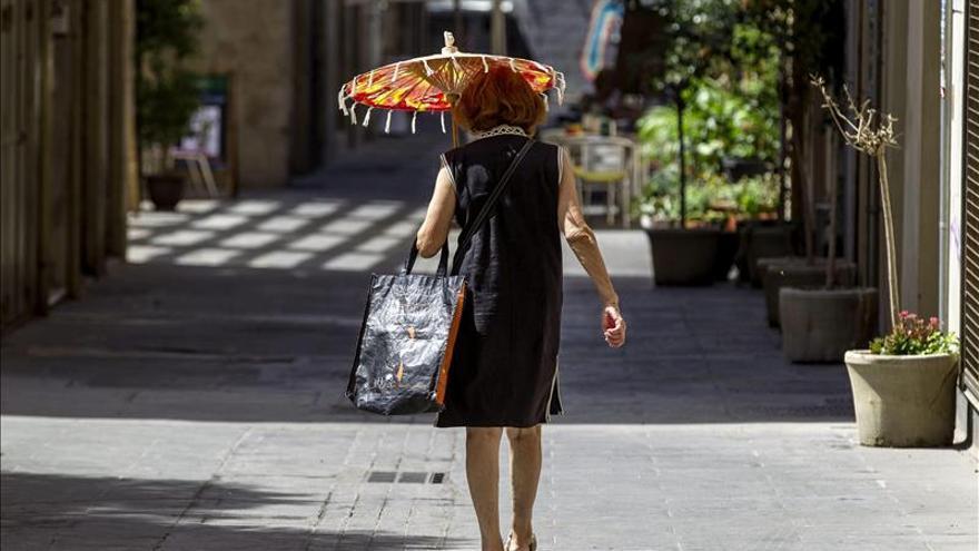 Treinta y siete provincias en alerta por intenso calor, cuatro de ellas rojas
