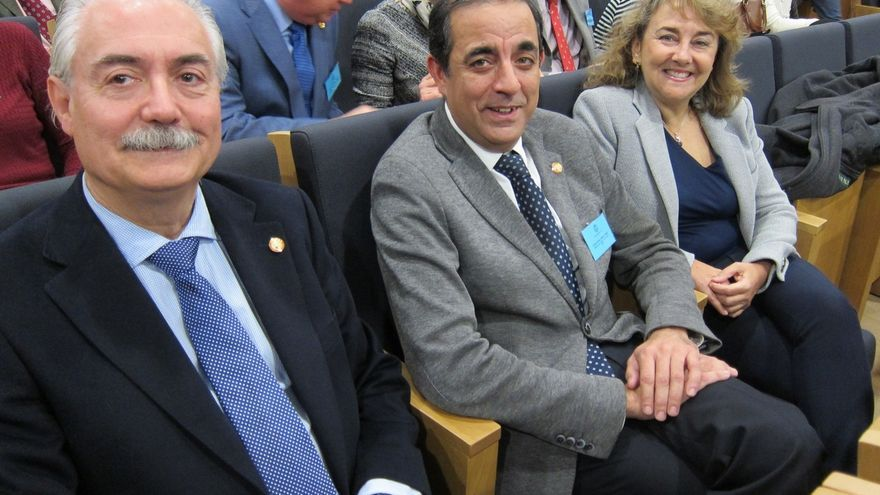 El Claustro de la US acoge este jueves las votaciones a rector con Castro, Muñoz y Rabasco como candidatos
