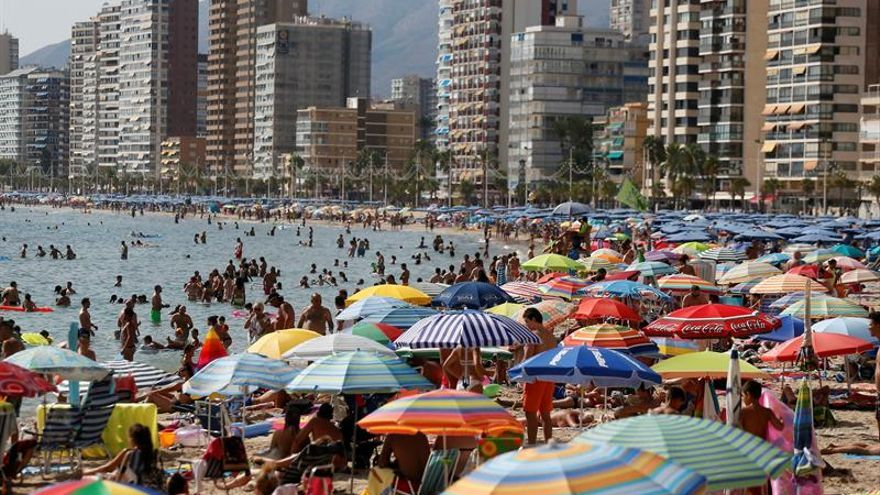 Las agencias de viajes aumentan un 8 % sus ventas este verano