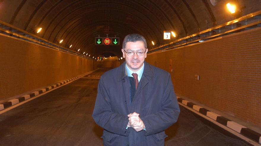 Alberto Ruiz Gallardón en uno de los túneles de M-30. Foto: Ayuntamiento de Madrid